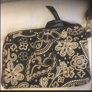 🎃THIRTY ONE Black and Tan wristlet